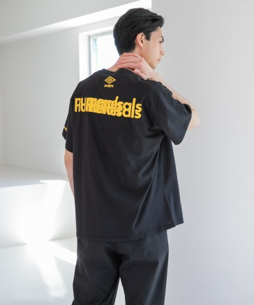 [NUMERALS×umbro(アンブロ)]コラボバックグラフィックTシャツ