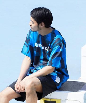 [NUMERALS×umbro(アンブロ)]コラボ総柄グラフィックTシャツ