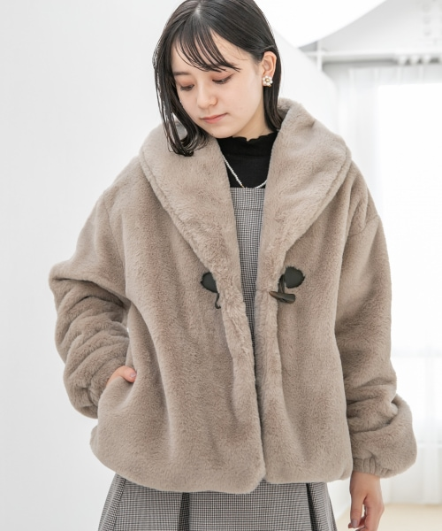 ショールカラーファージャケット